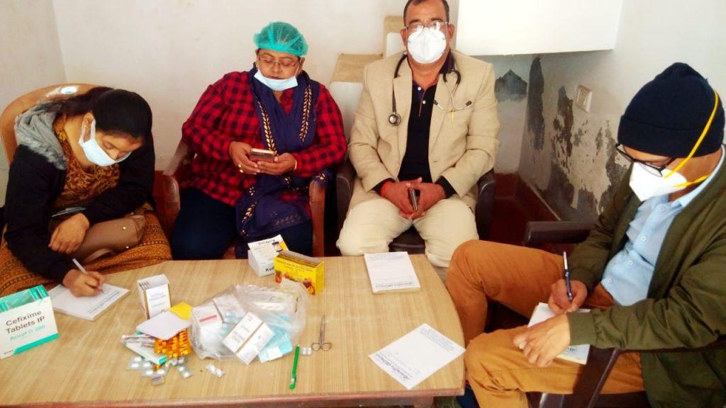 Prayagraj : जीवन दीप हॉस्पिटल की ओर से स्वास्थ्य शिविर में 200 लोगों का निशुल्क स्वास्थ्य परीक्षण किया गया