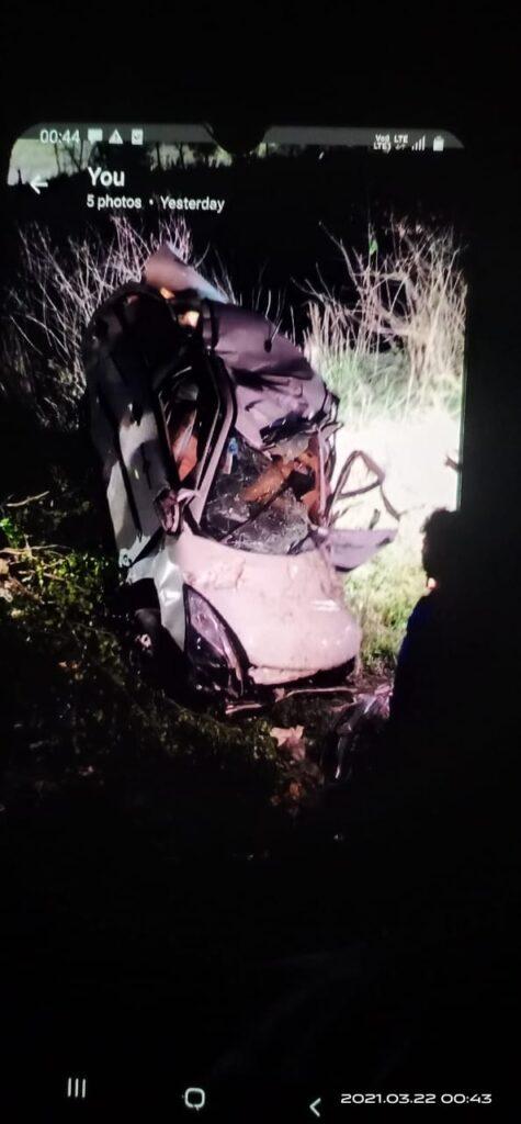 रुद्रपुर में टैक्सी पलटने से हुई दुर्घटना
