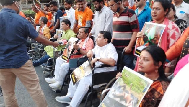 कोलकाता में BJP कार्यकर्ताओं ने निकाली व्हीलचेयर रैली, 130 कार्यकर्ताओं की हत्या के विरोध में निकाली रैली