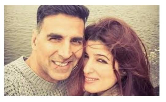 Akshay Kumar के साथ दो फोटो शेयर करते हुए Twinkle Khanna ने बताया तलाक से बचने का उपाय।