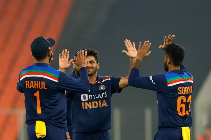 भारत vs इंग्लैंड: चौथा टी-20 मैच भारत ने 8 रनो से जीता, सीरीज 2-2 से बराबर की