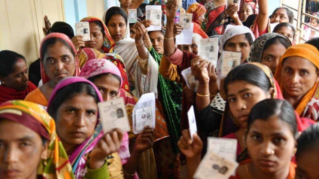Paschim Bengal-Assam Assembly Elections 2021:केरल, तमिलनाडु सहित पांच राज्यों में जमकर हो रही मतदान, पहले चरण में बंगाल में 79.79, असम में 72.14 फीसदी मतदान हुई