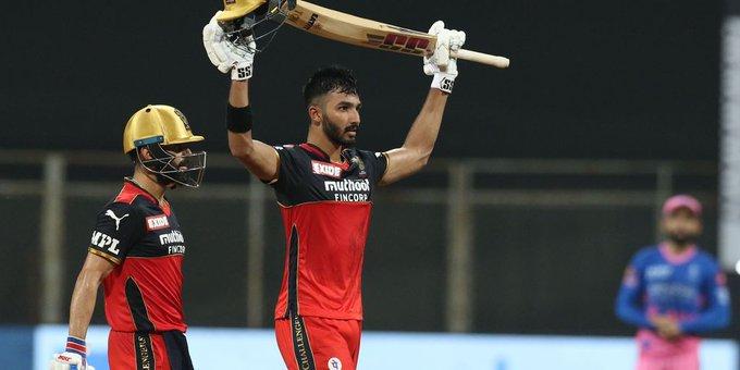 IPL 2021 :रॉयल चैलेंजर्स बेंगलुरु (RCB) ने राजस्थान रॉयल्स (RR) को 10 विकेट से हराया