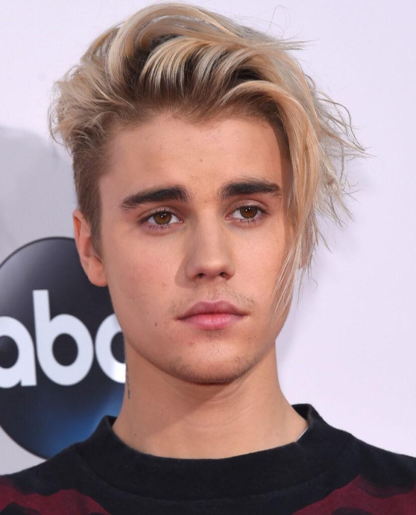 Canadian singer Justin Bieber's bodyguard ने रात को उनके पल्स चेक करके देखा की वो जीवित है या नहीं ?