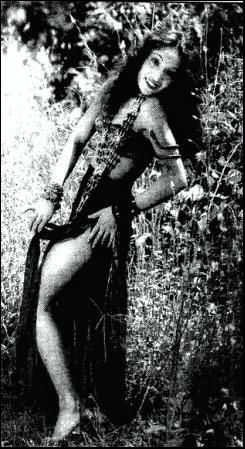 18 April : Queen of negative role जब उनका हीरोइन का करियर पूर्ण रूप से बर्बाद हो गया !