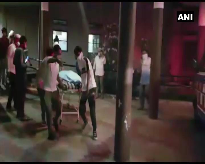 गुजरात के भरूच में बड़ा हादसा, कोविड सेंटर में भीषण आग लगने से 12 लोगों की मौत (Tweet-ANI)