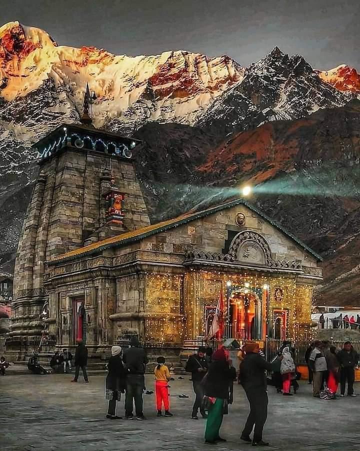 शताब्दी तक सुरक्षित बचा रहा केदार नाथ मंदिर।।