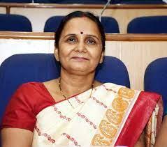 दिल्ली सरकार कोई फेसिलिटी अवेलबल नही करवा रही है (इंदिरा झा -BJP निगम पार्षद 028-E Dilshad Colony)