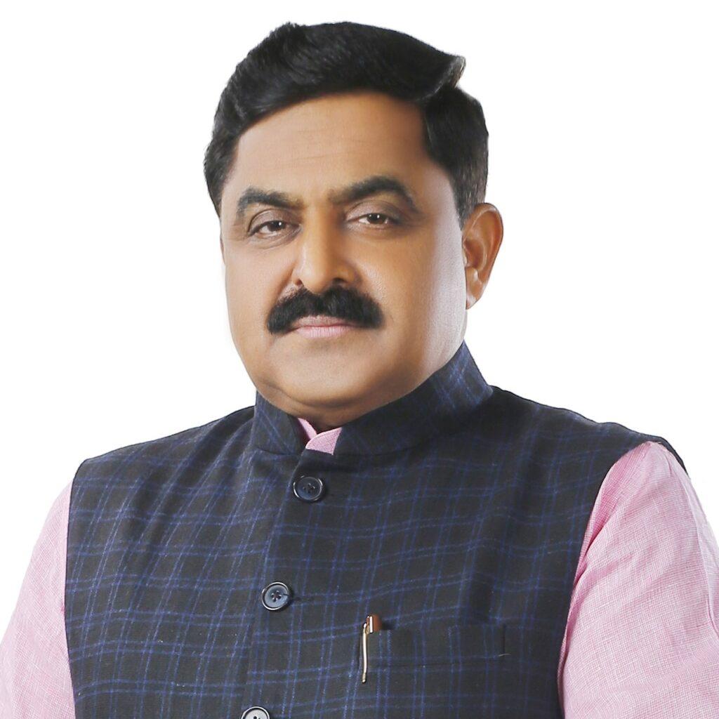 उद्योग नगर बस्ती के जरूरतमंद लोगों को खाद्य सामग्री कीट बना कर वितरण की (Tweet-Vinay Rawat BJP Nigam Parshad)