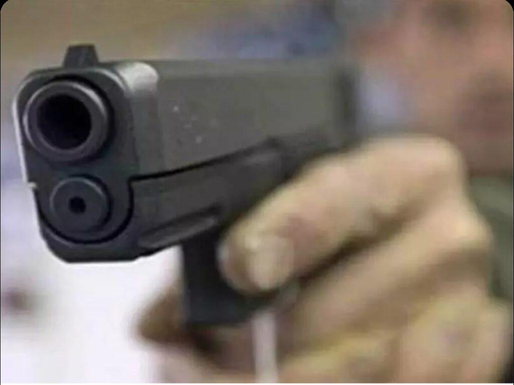 लड़की की शादी में शख्स ने दूल्हे पर चलाई गोली ,दुल्हन के कज़न को लगी, हुई मौत